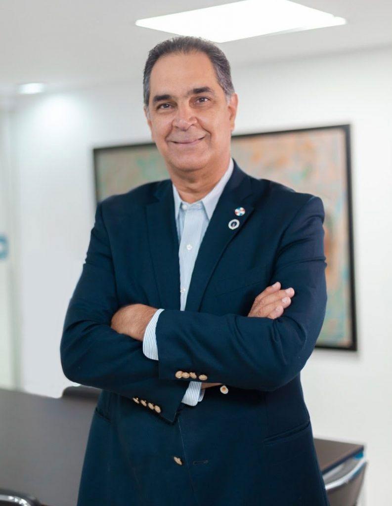 Dr. Santiago Hazim, director ejecutivo del Seguro Nacional de Salud (SeNaSa).